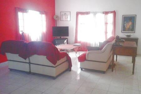 """Maison et services """"MAISON AFIDI"""" - Abidjan"""