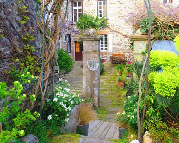 Chambres d'hôtes de charme Bretagne Paimpol à côté - Pontrieux - Bed & Breakfast