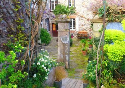 Chambres d'hôtes de charme Bretagne Paimpol à côté - Pontrieux