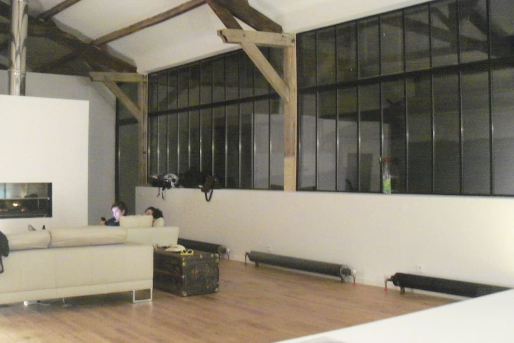 Atelier loft lofts louer colombes le de france france for Location atelier loft