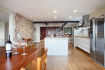 Modern big Bulthaup kitchen with quality Villeroy&Bosch dishes, etc