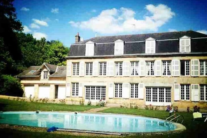 Château de Christina Champagne 2 px - Sedan - Bed & Breakfast
