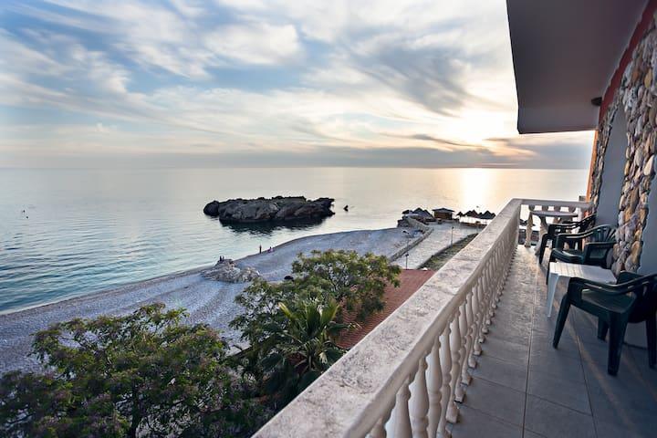 Amazing Beach Studio Apartment - Dobra Voda - ที่พักพร้อมอาหารเช้า