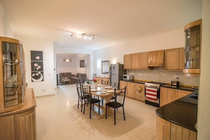 ANICI CRT, 4 bedroom Apartment