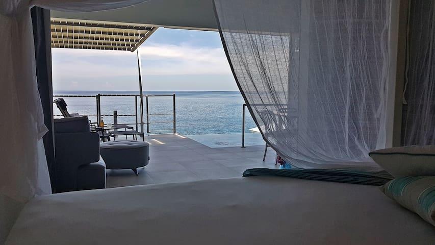 Du lit à la Blue Moon villa à Blue Haven Villas Guadeloupe