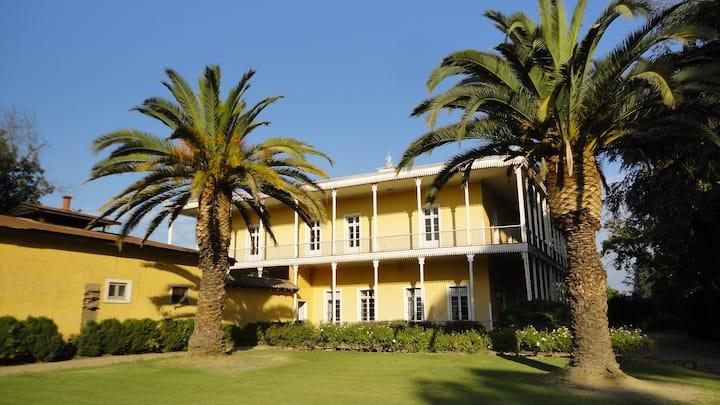 Casona Alzamora - Colonial Estate in Wine Valley