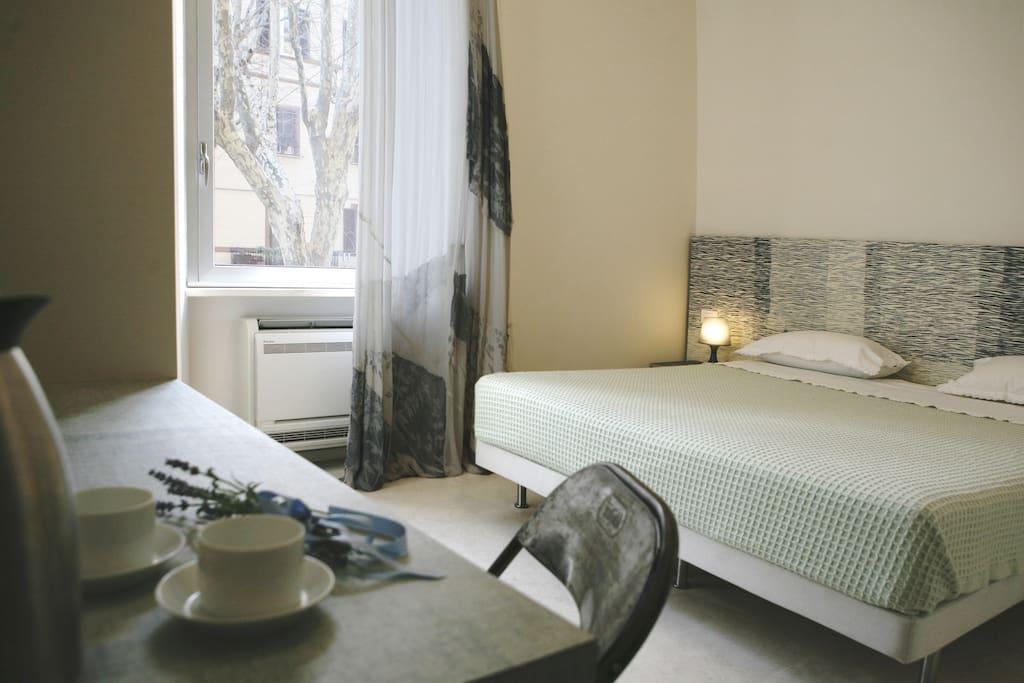 Garibaldi23 doppia elegante in pieno centro citt for Boutique hotel liguria