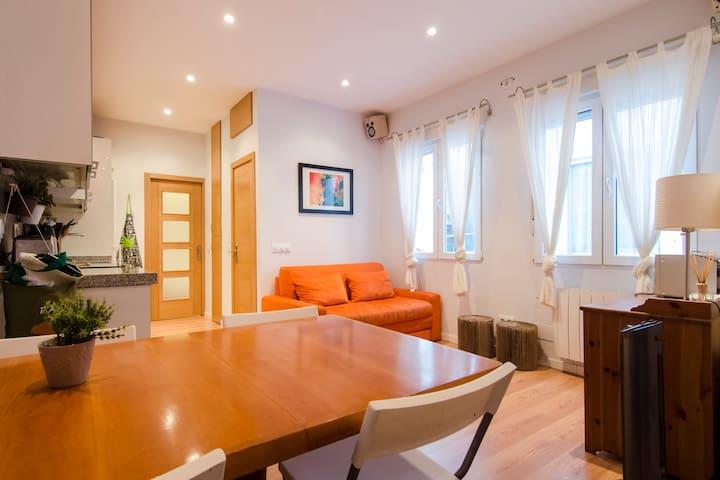 Bright & spacious 1BD - La Latina - Madrid - Wohnung