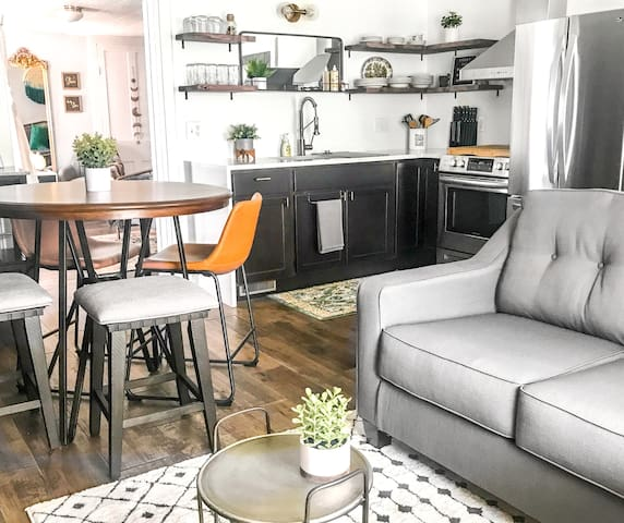 Beautiful Butler City Apartment {newly renovated}