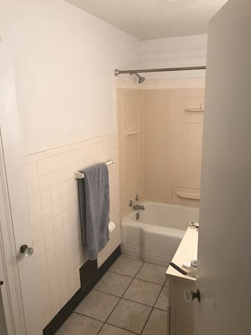 Good location 2 bedrooms for rent