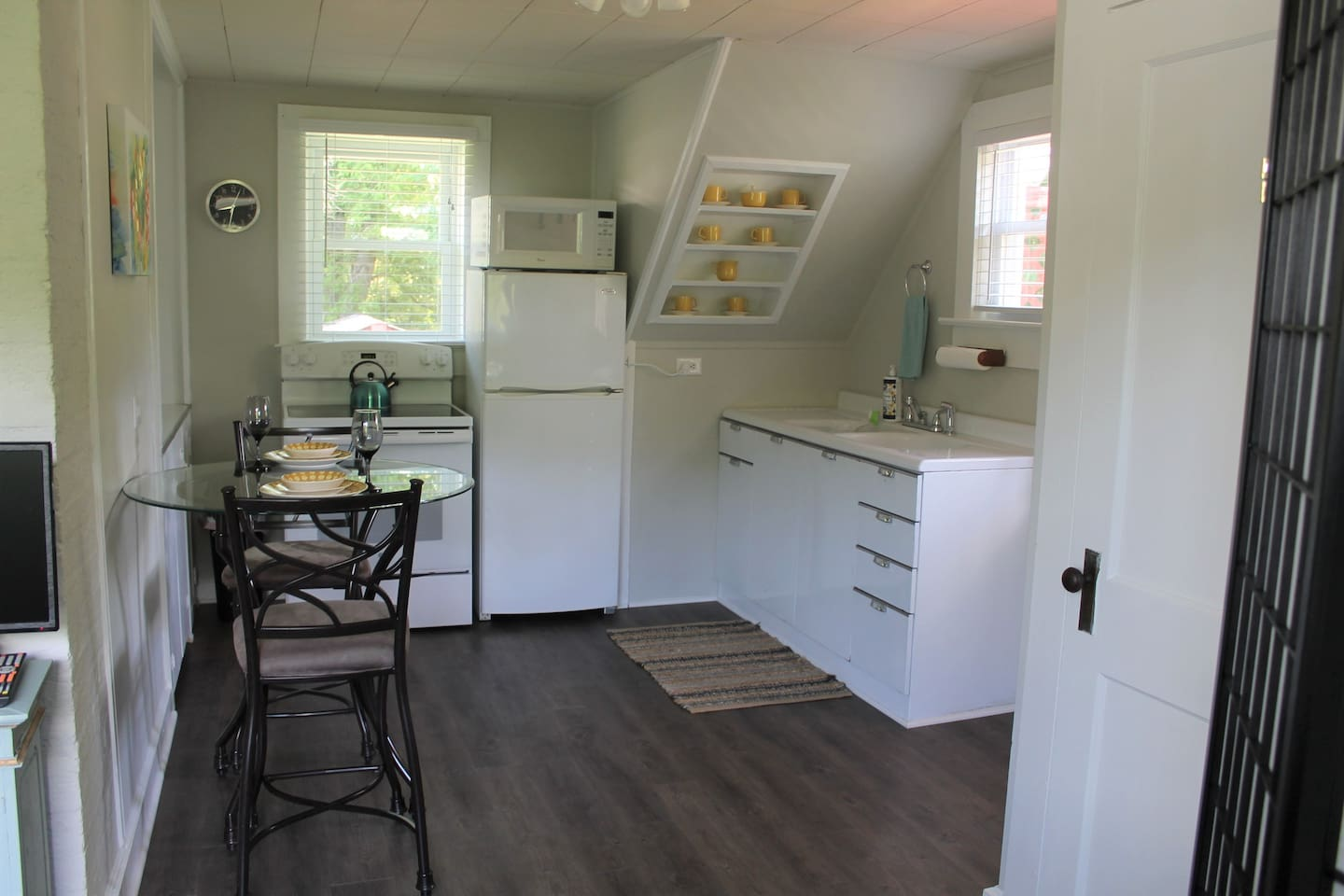 The kitchen offers plenty of space to move around while cooking
