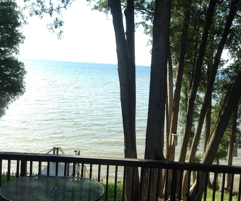 3 Bedroom Cottage with a water view