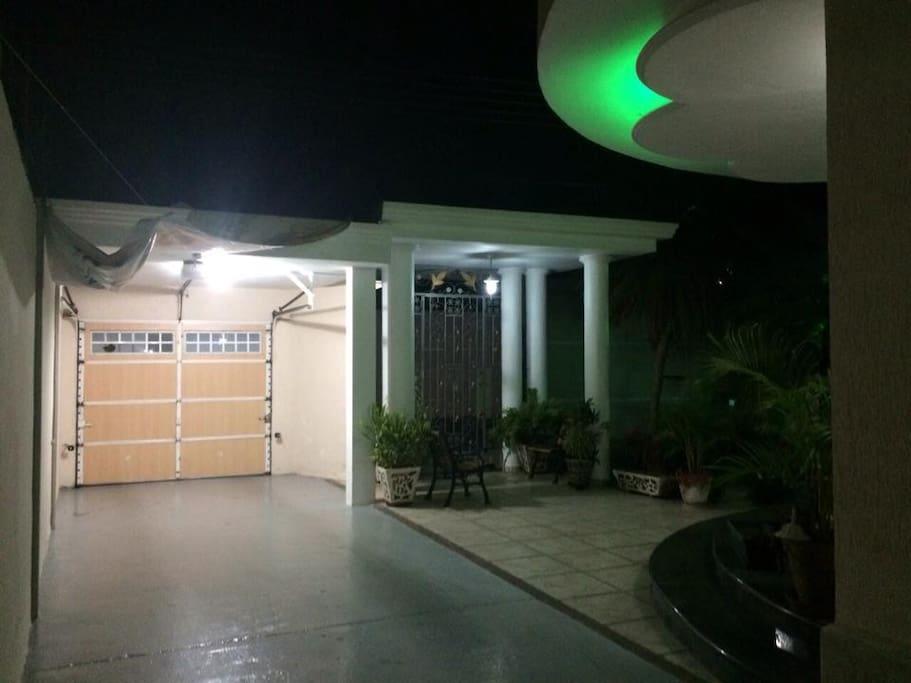 el garaje privado