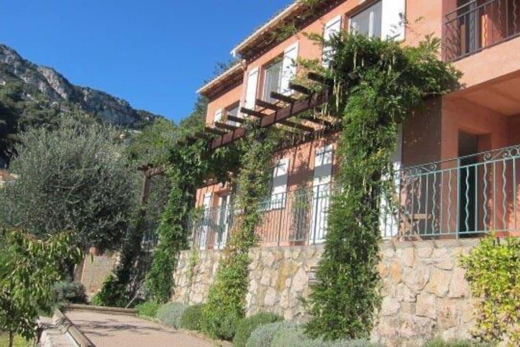 Pétanque court in the garden Villa
