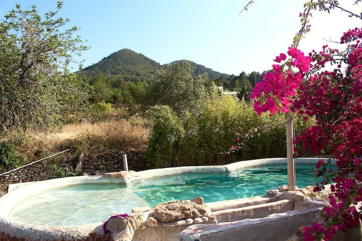 Self contained Family room with private garden - Sant Joan de Labritja - Villa