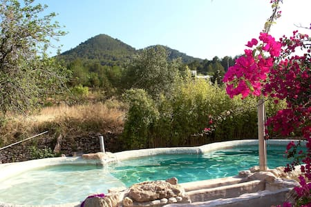 Self contained Family room with private garden - Sant Joan de Labritja