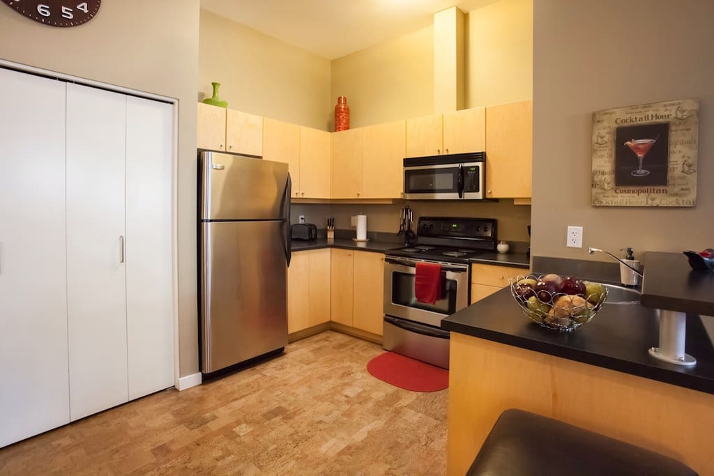 Lots of storage space in the fully equipped kitchen