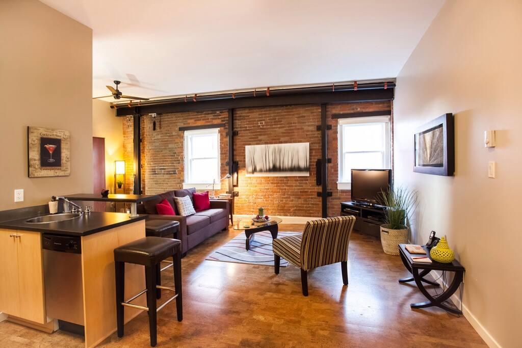 Very spacious cozy studio suite