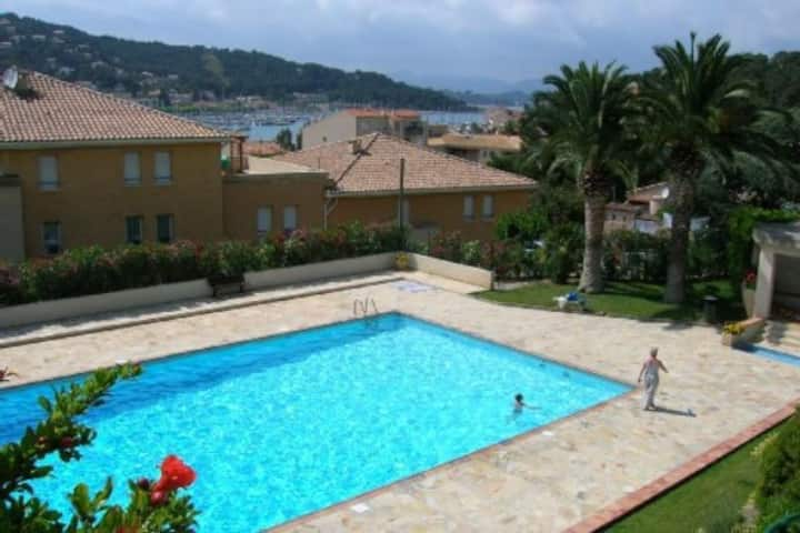 Sea view, WIFI, in center of the village, swimming pool, tennis ... All on foot