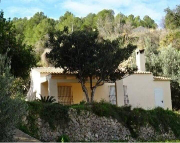 Prachtige villa te huur In La Nucia + veel privacy
