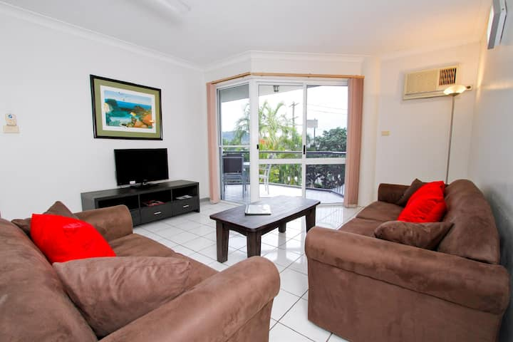 Cairns City - Spacious 2 Bedroom Apartment