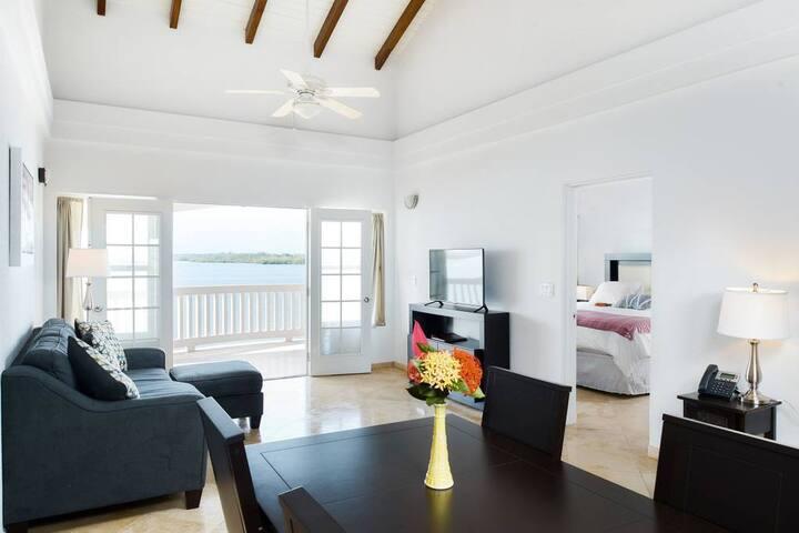 One Bedroom Ocean Suite at Belize Ocean Club