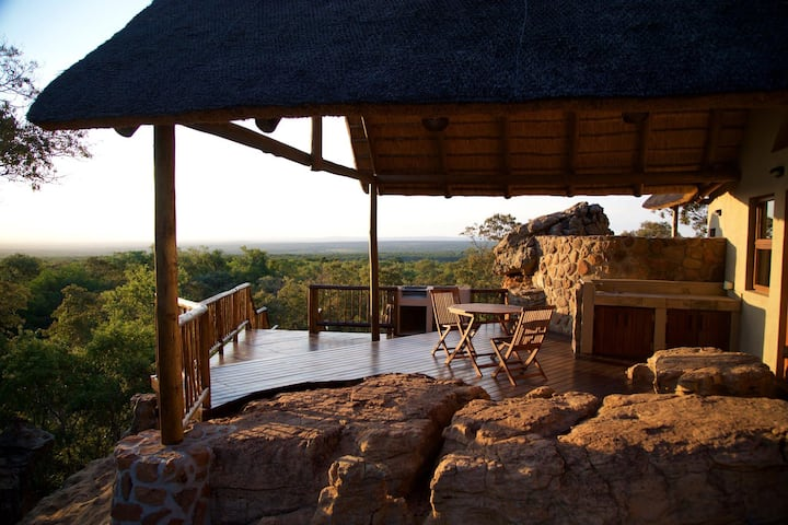 Itemoga Wildlife Reserve - Letlapa Luxury Chalet