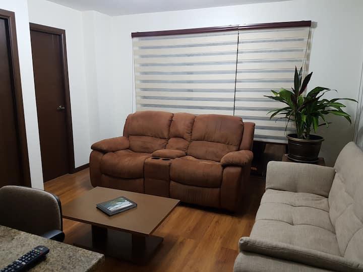 Feel at home! Depto completo y nuevo en San Miguel