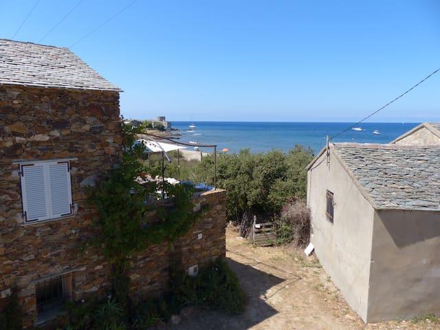 70 m2 vue Mer à 40m de la plage (2 appartements)