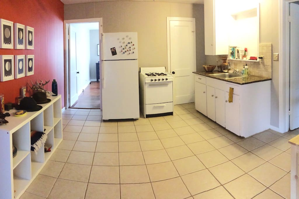 The kitchen/diningroom combo has all the essentials.