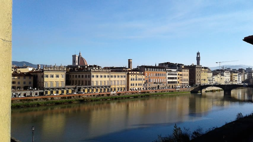 Valia Florence 1: River View