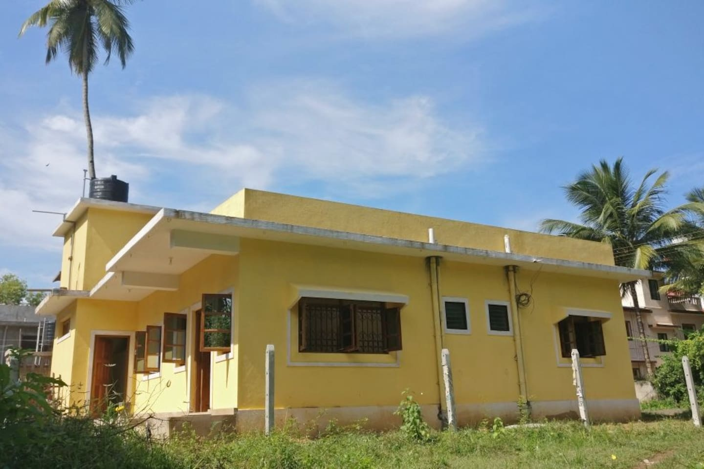 We are a quiet family, looking to host travelers visiting Goa to enjoy the culture and local cuisine.Our house is located in a quite village of Arpora, in a peaceful and serene locale. It is 5 minutes away from the Arpora Junction and very close to the local Arpora Market.