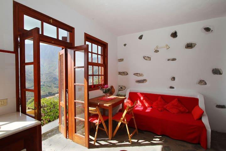 Preiswertes und gemütliches Häuschen mit Terrasse