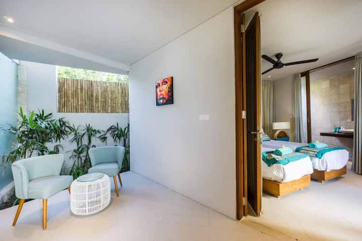 Luxury Tropical Escape  2 inter-connected bedrooms