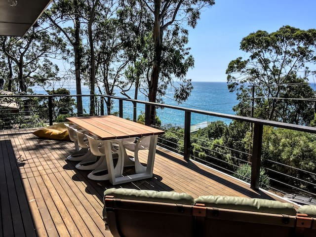 60's beach house with amazing view - Kennett River - Hus