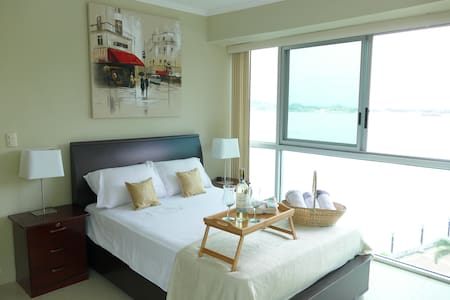 Best View Suite Riverfront 1, Puerto Santa Ana Gye
