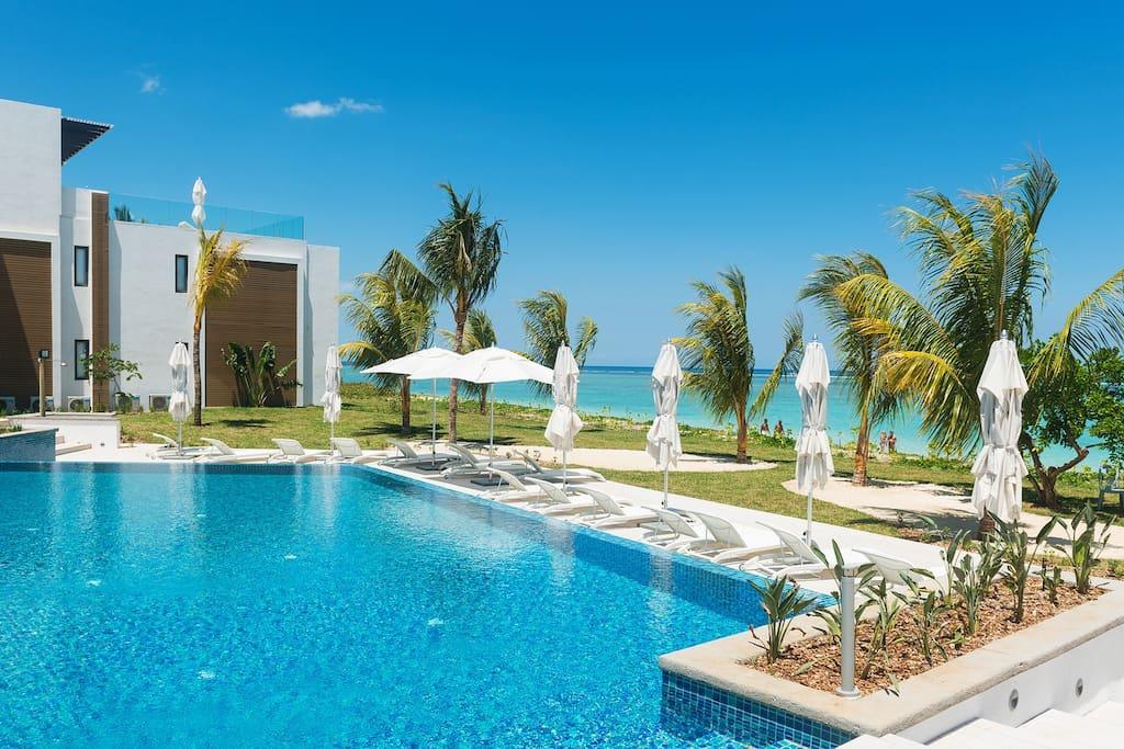 Cap ouest penthouse avec piscine appartements louer for Campement a louer a flic en flac avec piscine