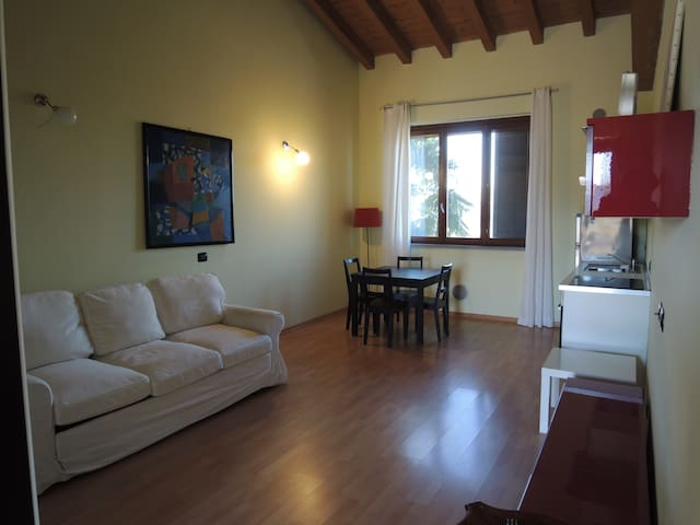 NEW quite apartment close to Milano - Vignate - Leilighet