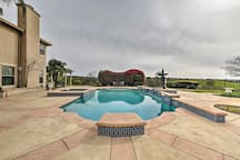 The private pool is ideal for those warm summer days!