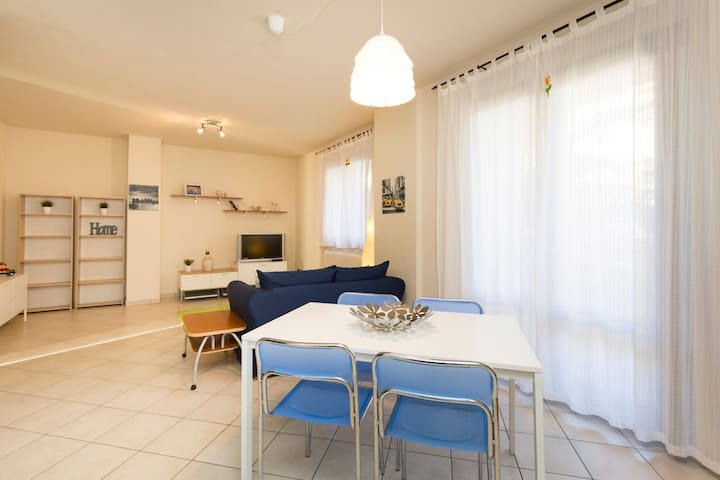 APARTMENT IN TAVULLIA (SEA&COUNTRY) - Tavullia - Apartamento