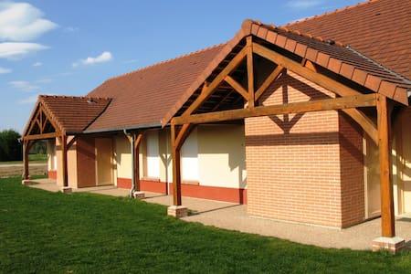 Résidence sur Golf de Marcilly - Marcilly-en-Villette - Hus