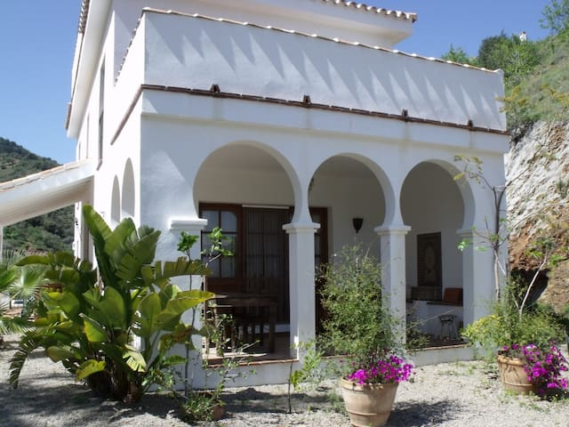 Stunning & Romantic Cottage & Pool - Comares - Huis