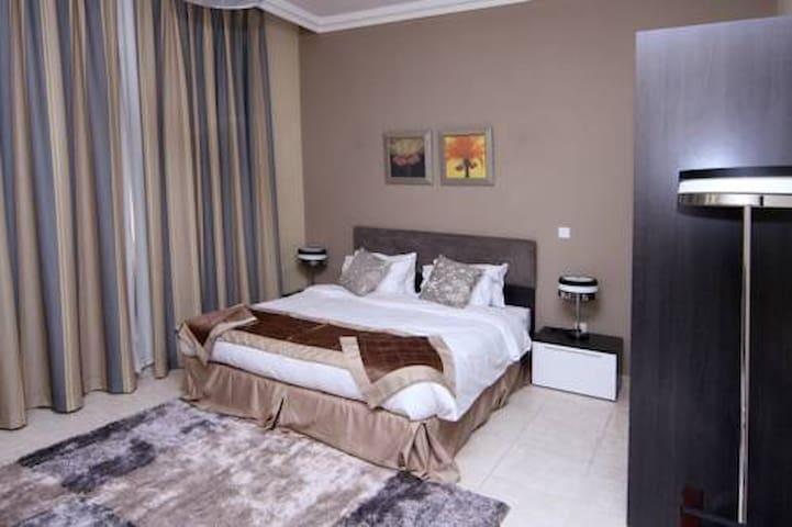 Big bedroom in westbay - Doha