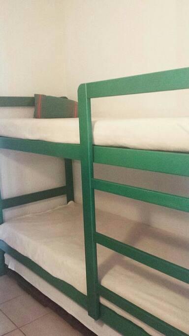 2 lits superposés enfants