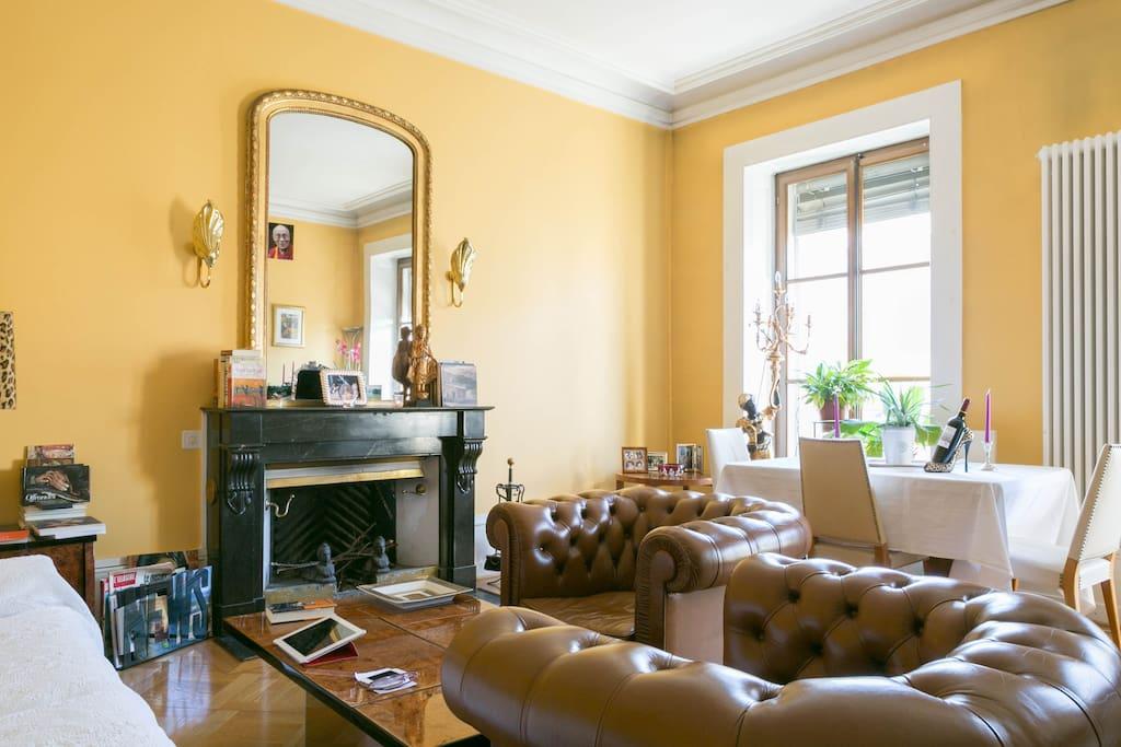 Coeur de gen ve chambre priv e vue sur le rh ne appartements louer gen ve ge suisse - Chambre a louer a geneve ...