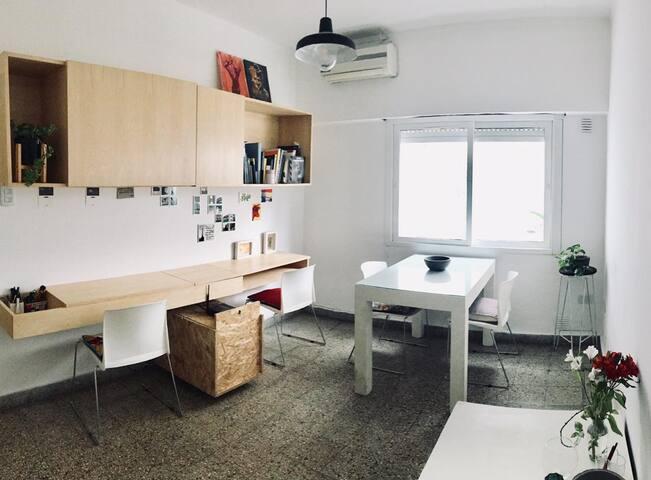 Departamento completo 1 dormitorio c/patio privado