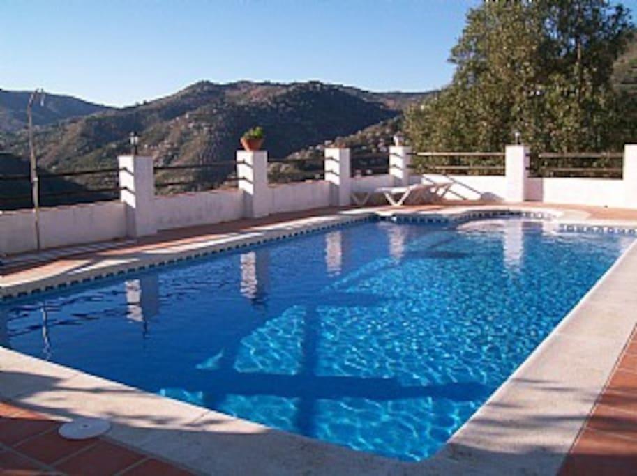 Wonderful 9 x 5 Swimming Pool
