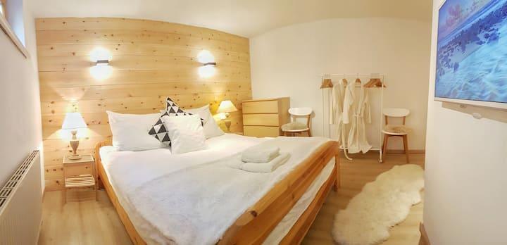 Kosy Kapfers: cosy mountain flat w. sauna (Stubai)