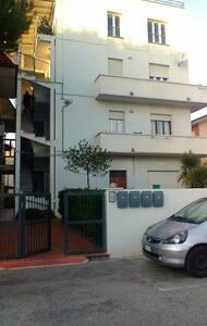 comodo appartamento vicino al mare in zona servita - Porto Sant'Elpidio