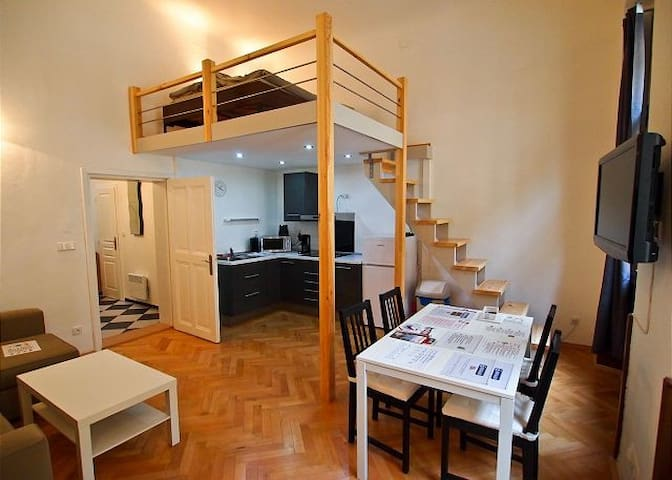 Studio 2 min. from Old Town Square - Praga - Casa